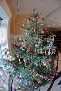 And the lobby had a nice Christmas tree.