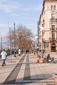 Promenade along the Danube.
