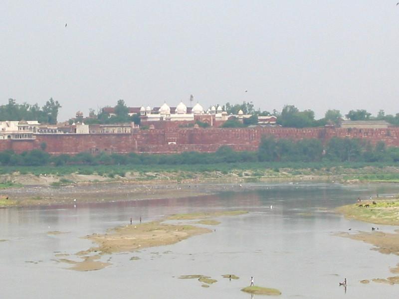 Taj Mahal (looking towards Agra Fort from platform)