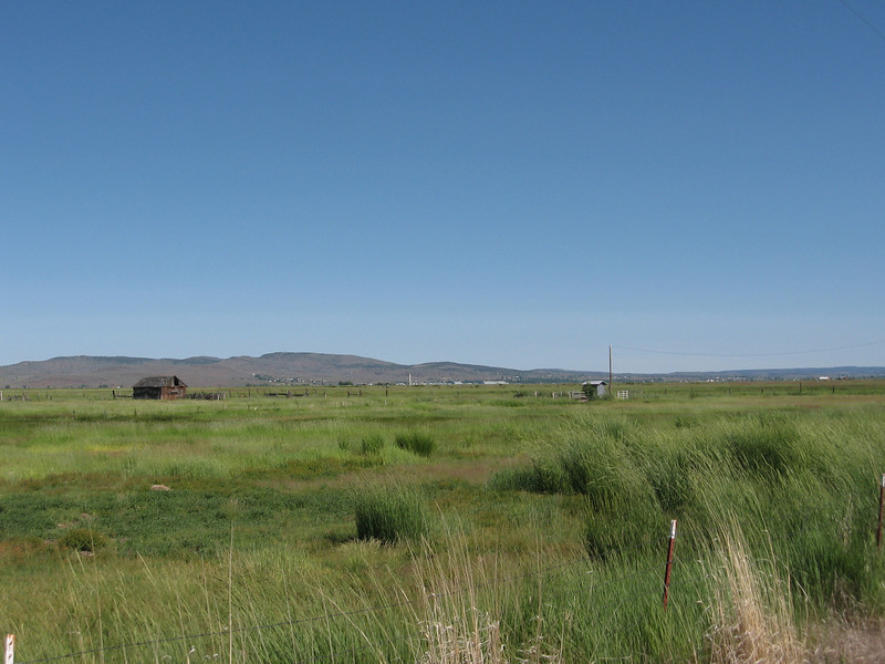 This is looking back towards Burns, the last town with a real grocery store for a couple hundred miles.