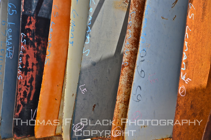 Close-up of fenders, all from various 1965 cars. Looks like so many surf boards. Not advised as substitute, however. For one thing, they rust (obviously) and maybe tad heavy. [UFP082312]