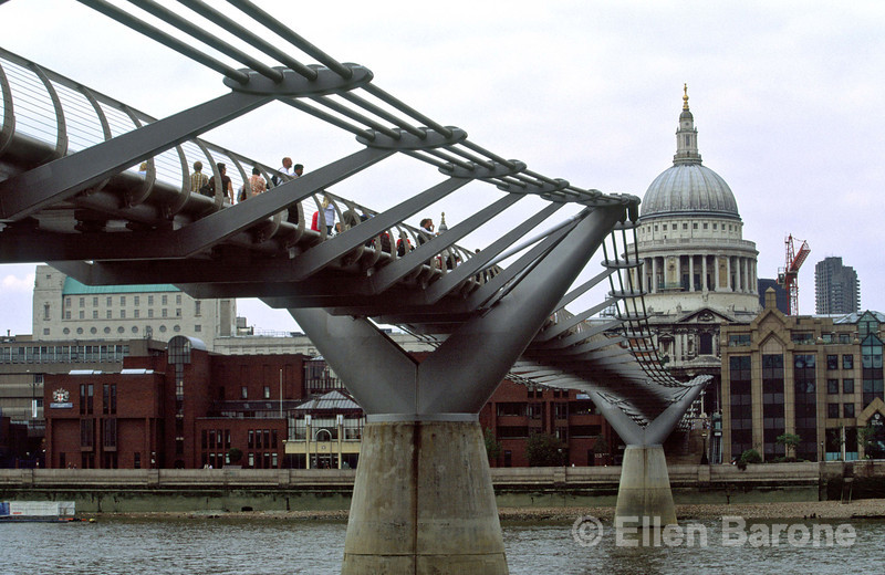 Millennium Bridge, London's first new (2000) Thames crossing in more than 100 years, connecting from the Tate Museum to St. Paul's Cathedral, London, England.