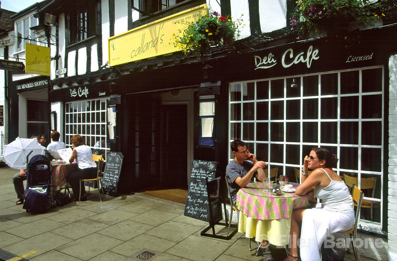 Dining al fresco, sidewalk cafe, Wood Street, Stratford-Upon-Avon, England