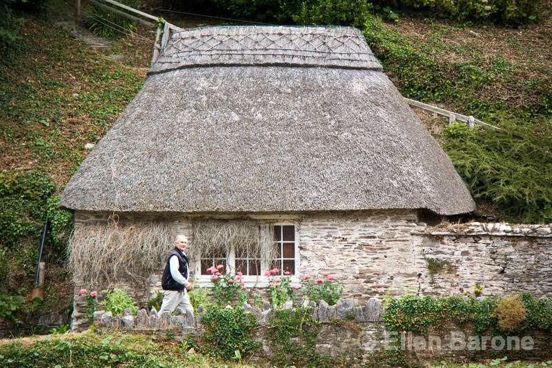 Thatched cottage and local, near Blackpool Sands beach, south Devon, England, U.K.