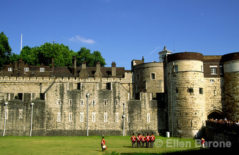 Redcoat troops at the Tower of London, London, England.