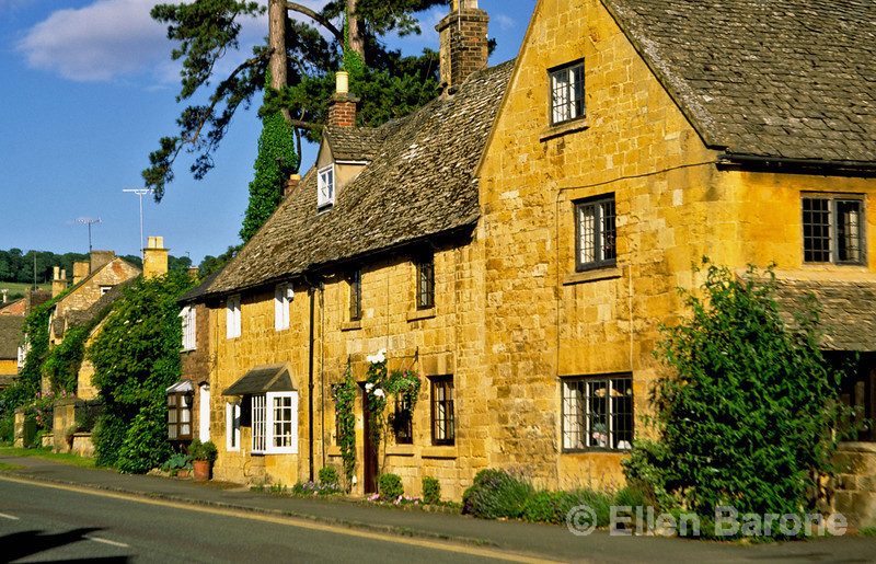 A picture perfect honey colored Cotswold stone house in the manicured town of Broadway, the Cotswolds, England