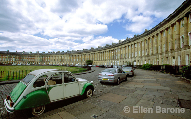 The graceful Royal Crescent, one of the most majestic streets in Britain, is the masterpiece of John Wood the Younger, Bath, England.