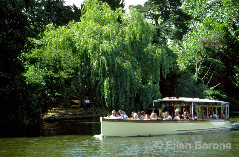 A tour boat ride along the lovely tree-fringed River Avon is a relaxing way to see one of the country's most popular tourst towns, Stratford-Upon-Avon, England