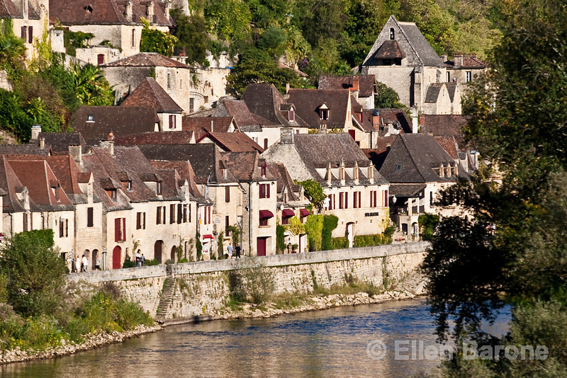 The lovely cliffside village of la Roque Gageac along the Dordogne River, France.