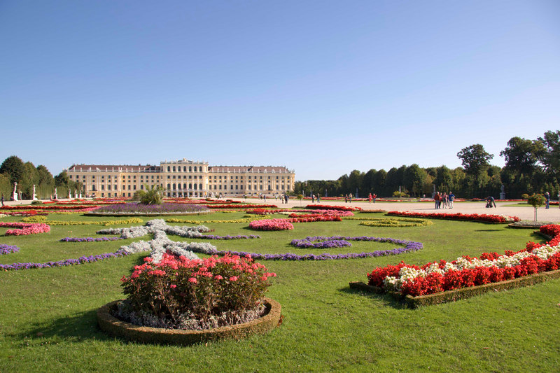 Palace gardens at Schloss Schonbrunn , Maria Theresa's summer palace, Vienna, Austria, Europe.