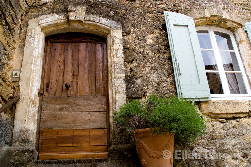 Provençal doorway and window, Provence, France, Europe