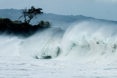 Waves at Wiamea