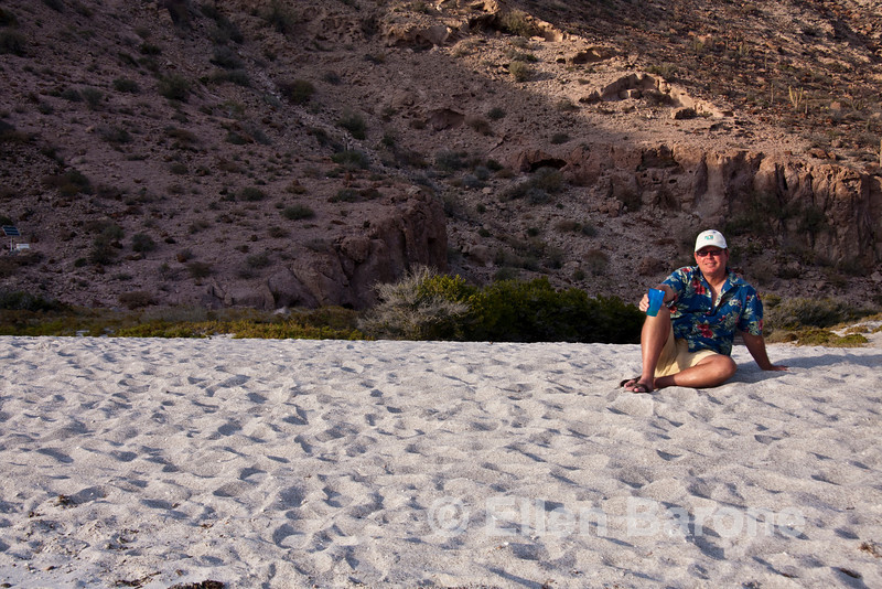 Safari Quest passenger, Allan Smith, at playa Ensenada Grande, Sea of Cortez, Baja California, Mexico.