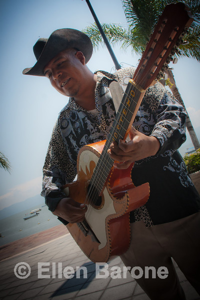 Guitar player, Lago de Chapala (Lake Chapala), Chapala Jalisco, Mexico.