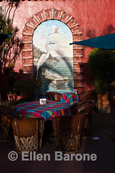 Cafe table, Jardin restaurant, the plaza, Lago de Chapala (Lake Chapala), Ajijic, Jalisco, Mexico.