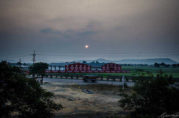 Dawn, Indore-Dewas Road
