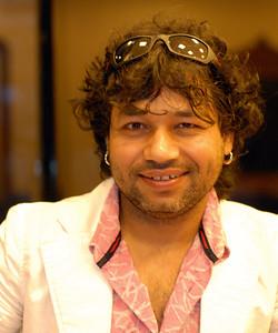 Kailash Kher and Suchit Nanda at the business lounge in Kolkata (Calcutta) Airport, West Bengal (WB), India