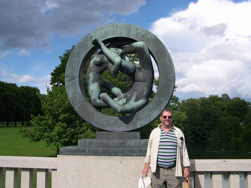 Dick at Vigeland sculpture park