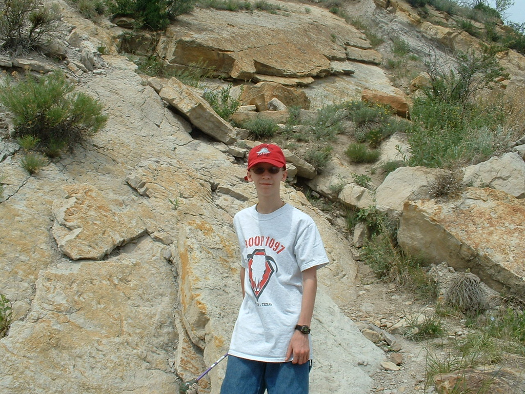 2006 - Morrison-Red Rocks area - views from the Dinosaur Ridge museum area - Tony in his glory
