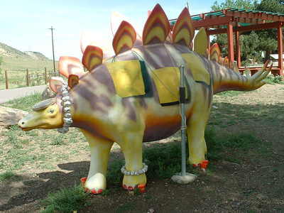 2006 - Morrison-Red Rocks area - Dinosaur Ridge museum - cool dinosaurs
