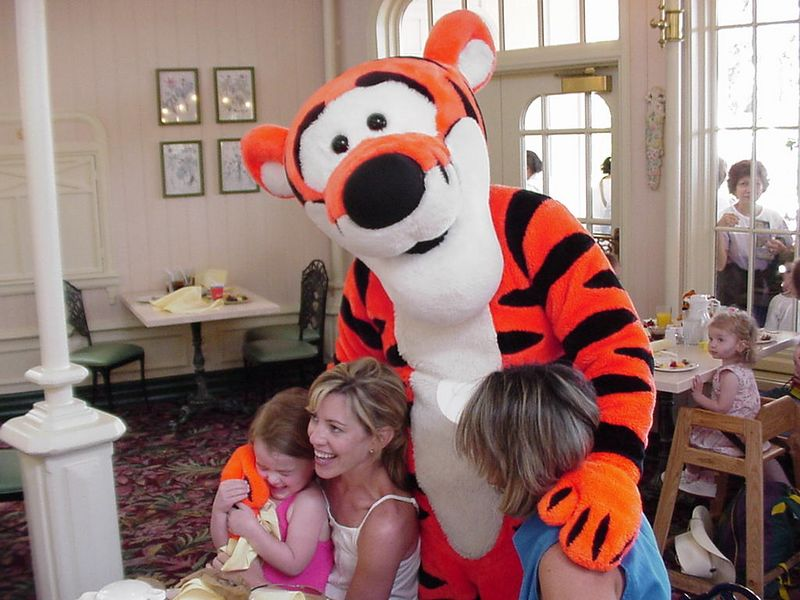 I don't exactly know what Raye and Tigger are up to in this photo.