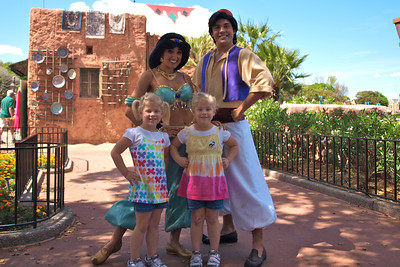 Posing with Jasmine and Aladdin.  Notice the bandaid on Kamryn's knee and her special Aladdin & Jasmine sticker.