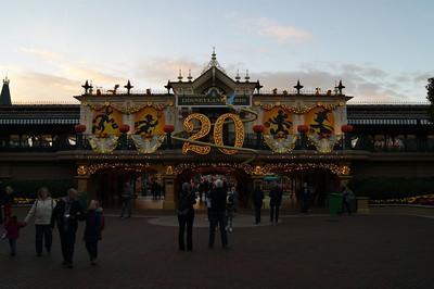 Disneyland (Halloween season, 2012)