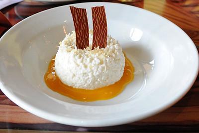 Vanilla-coconut rice pudding