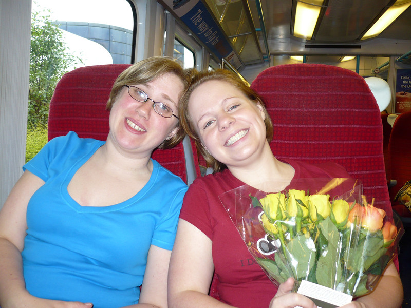Hooray!!  Arrival into London - the wonderful Zommbie and Mor picked me up from Gatwick with roses!  This is the train we took into town.