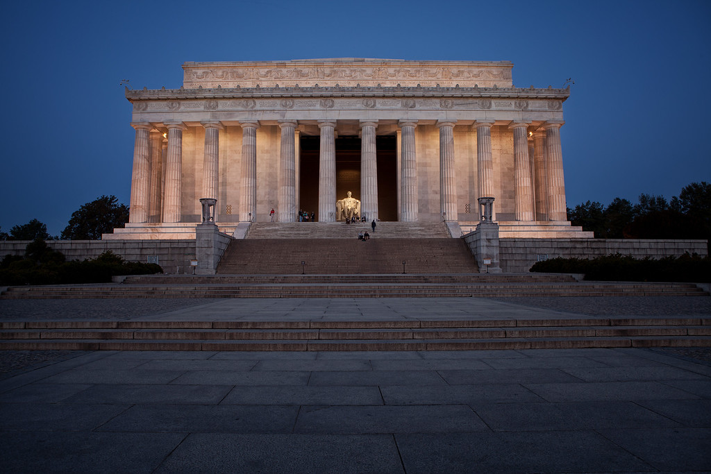 Early morning photo of the Lincoln Memorial.  In a matter of a few hours this area filled up with tourist.