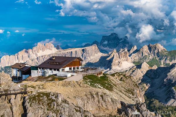 Rifugio Lagazuoi with a magnificent backdrop: Croda da Lago and Pelmo