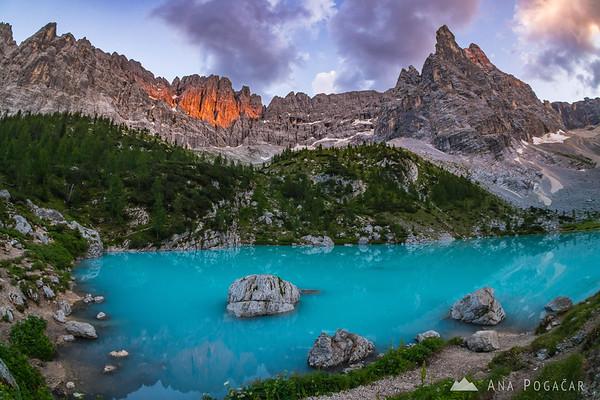 Dramatic sunset light at Lago di Sorapiss