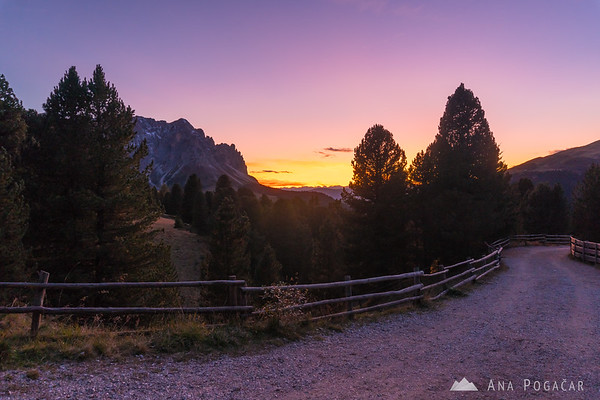 Purple sky after sunset at Passo delle Erbe
