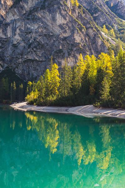 A sunny morning at Lago di Braies