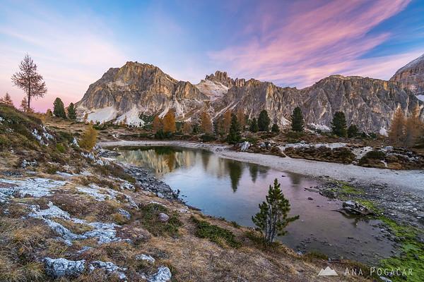 Lago Limides at dawn