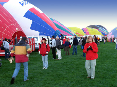 But it was soon back to the staging area, wandering among the still-awakening balloons being readied for take off.