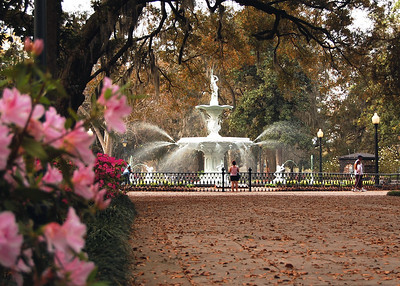Our tour book pointed out that Forsyth Park was modeled after the Place de la Concorde in Paris; the fountain, however, is very similar to another fountain from the same era located in Cuzco, Peru.