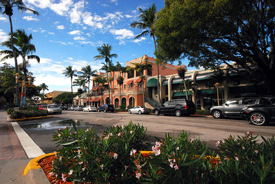 """""""Old Naples"""" is a beautiful city -- particularly its 3rd Street shopping district..."""