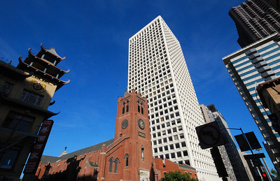 Another example of the intriquing mix of eras that typify San Francisco's skyline.  Here Old Saint Mary's Cathedral is dwarfed by the modern high-rise office building behind it.  The old church was dedicated in 1854.  It was the city's first Catholic cathedral was built from granite quarried in China and bricks that journeyed around Cape Horn from New England.