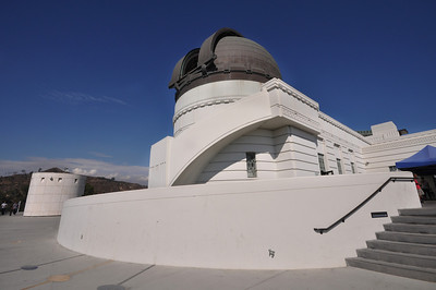 Natural events helped shape the architecture of the Griffith Observatory.  A major earthquake in Long Beach in March 1933 led architects to abandon the planned terra cotta exterior in favor of thickening the building's concrete walls.