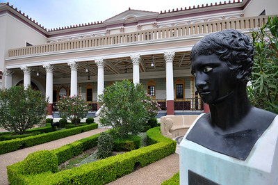 It is a recreation of a Roman country house modeled after the Villa dei Papiri in Herculaneum, the town that was buried along with Pompeii by the eruption of Mount Vesuvius in 79 AD.