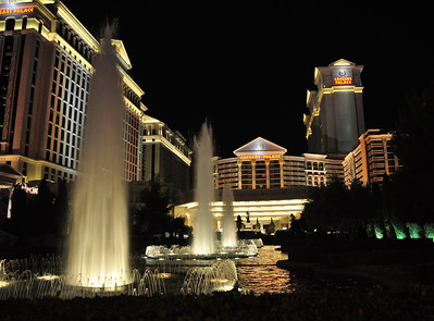 The famous Caesar's Palace was especially eye-catching in the evening....