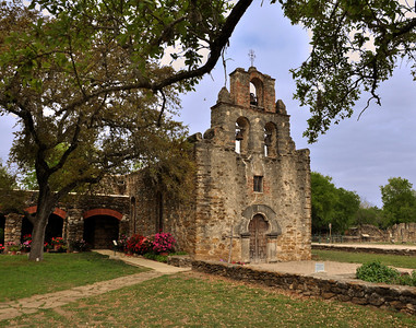 On March 5, 1731, the smallest of the missions -  Mission San Francisco de la Espada - was established along the San Antonio River. In 1826, Comanches raided the mission cornfields and killed the livestock. The same year, a kitchen fire destroyed most of the buildings; the chapel survived.