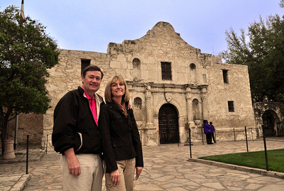 Exactly 175 years - and three weeks - after a ragtag band of Texian and Tejano freedom fighters (or rebellious traitors from the Mexican perspective) confronted General Antonio Lopez de Santa Anna at an old Spanish mission in the frontier town of San Antonio de Bexar, we visited the site of the legendary battle...the Alamo.