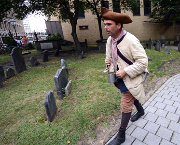 """It's not uncommon to run into a Revolutionary-era """"patriot"""" during a walk along the Freedom Trail."""