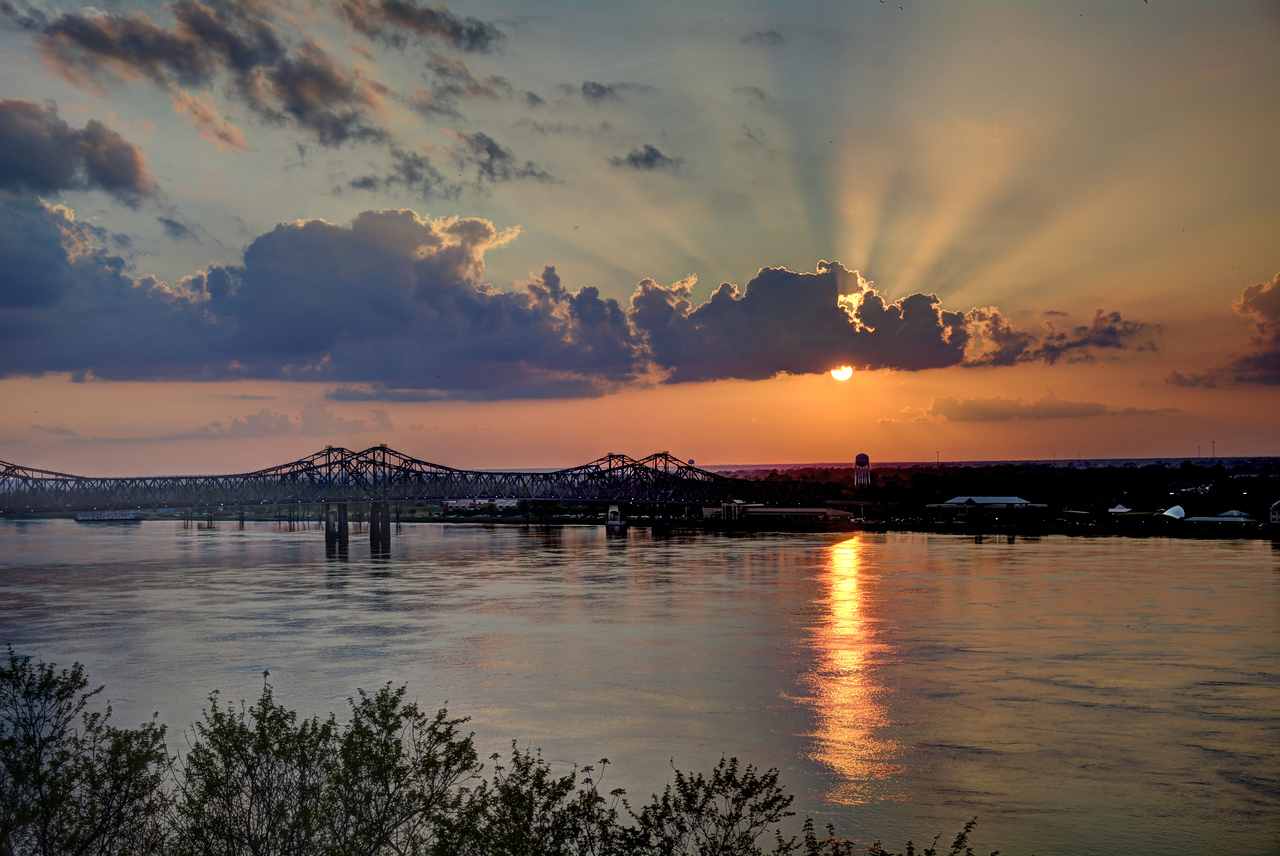 """On hearing the news of Vicksburg's surrender, President Lincoln declared, """"The Father of Waters again goes unvexed to the sea."""""""