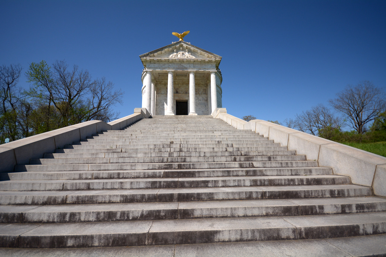 There are 47 steps leading to the Illinois Monument – one for each day of the Vicksburg siege.