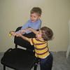 Dylan & Brennan playing.  Dylan y Brennan estan jugando.