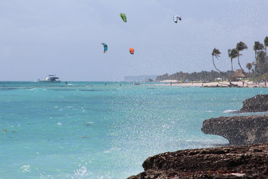 Kite Boarders in Paradise