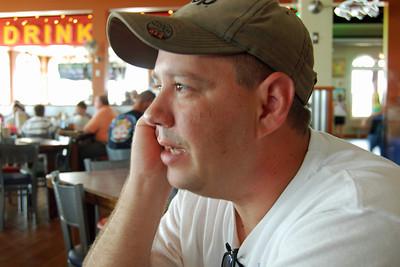 0901 Glen at Joe's Crab Shack